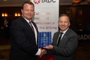 Trenton Martin, Transocean, Vice Chairman of the IADC ART Committee, recently presented Robin Macmillan, NOV, with a plaque in recognition of his years of service with the Committee, including two years as Chairman and two years as Vice Chairman.